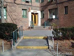22 Metropolitan Oval 12H, Bronx, NY 10462 (MLS #H6007020) :: Marciano Team at Keller Williams NY Realty