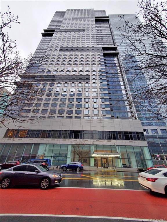635 W 42nd 23D, New York, NY 10036 (MLS #H6029014) :: Keller Williams Points North - Team Galligan