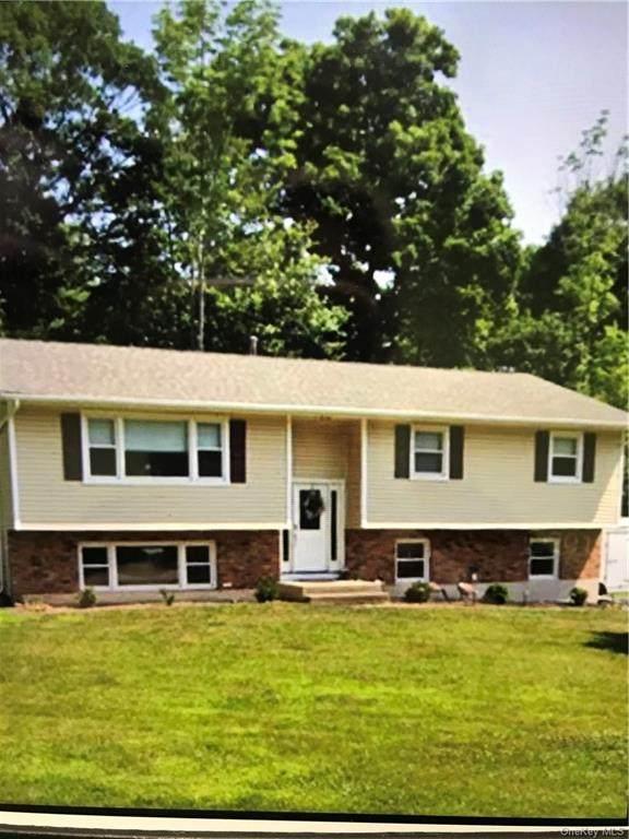 1 Dale Road, Airmont, NY 10952 (MLS #H6077707) :: Mark Boyland Real Estate Team
