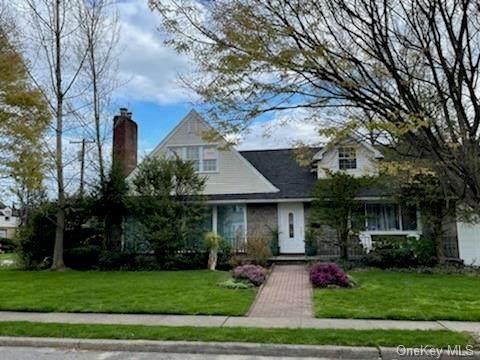 20 Birch Road, Malverne, NY 11565 (MLS #H6098763) :: McAteer & Will Estates | Keller Williams Real Estate