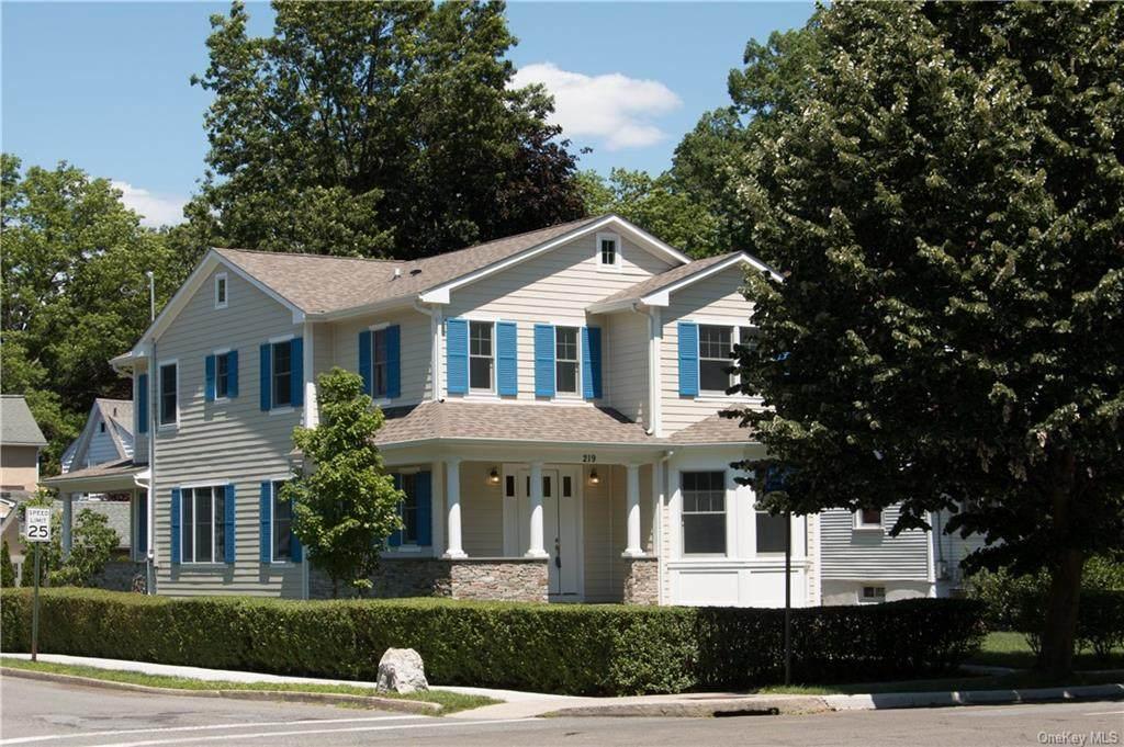 219 Larchmont Avenue - Photo 1