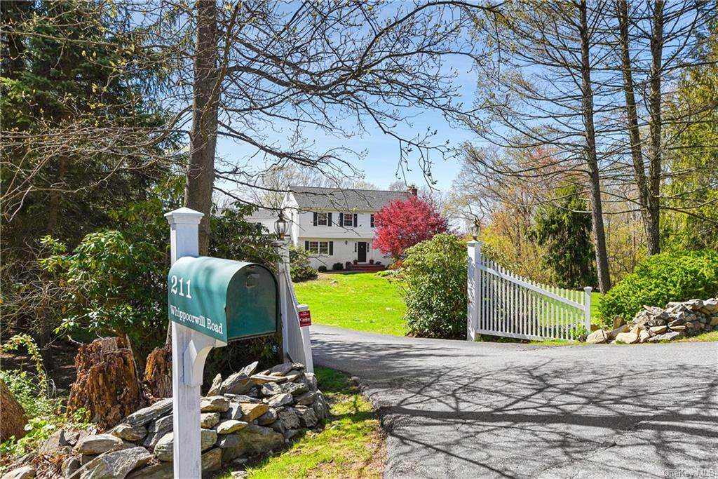 211 Whippoorwill Road - Photo 1