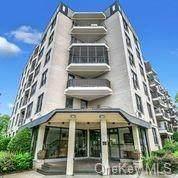 1874 Pelham Parkway So Avenue 5F, Pelham, NY 10461 (MLS #H6116984) :: Cronin & Company Real Estate
