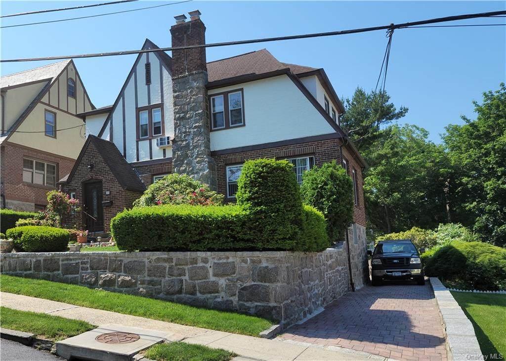 17-19 Woodland Terrace - Photo 1