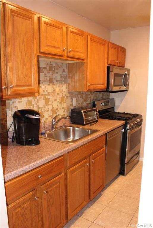1 Oakridge Road 6H, Eastchester, NY 10709 (MLS #H6134895) :: Laurie Savino Realtor
