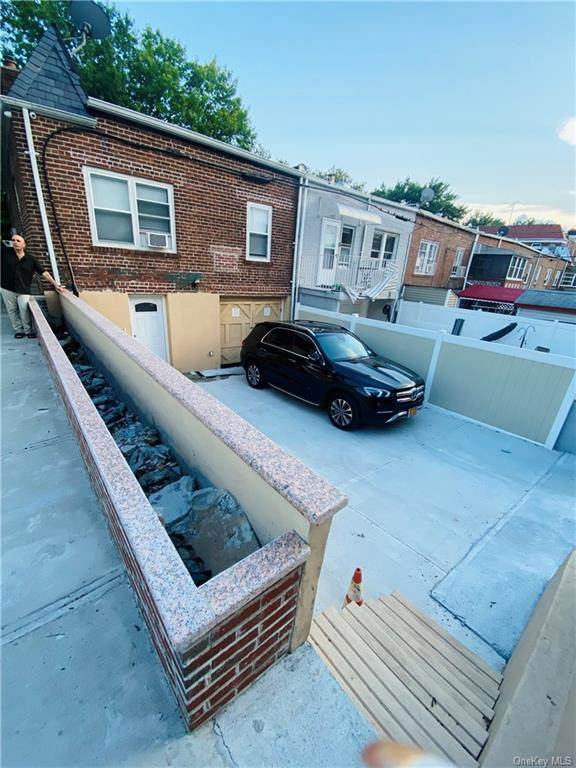 82-19 25th Avenue, E. Elmhurst, NY 11370 (MLS #H6137724) :: Cronin & Company Real Estate