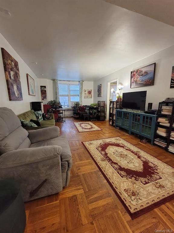 3512 Oxford Avenue - Photo 1