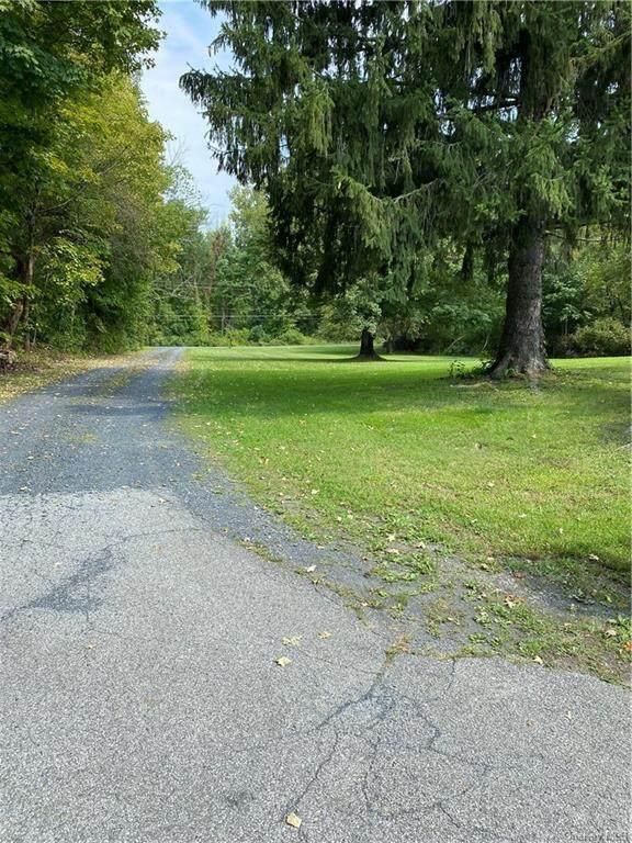 206 Strawridge Road, Wallkill, NY 12589 (MLS #H6142072) :: McAteer & Will Estates | Keller Williams Real Estate