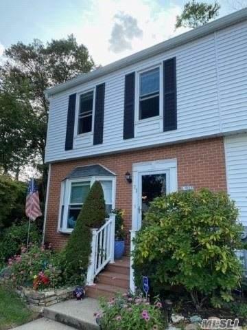 190 Merrick Road #22, Amityville, NY 11701 (MLS #3253038) :: Nicole Burke, MBA | Charles Rutenberg Realty