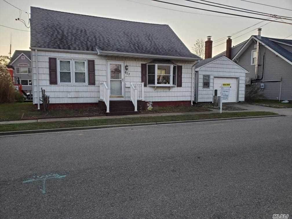 677 9 Th Street - Photo 1