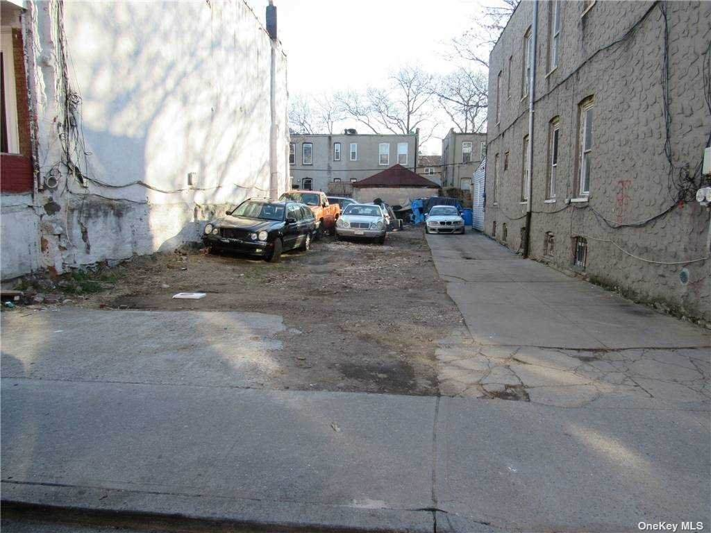 683 Cleveland Street - Photo 1