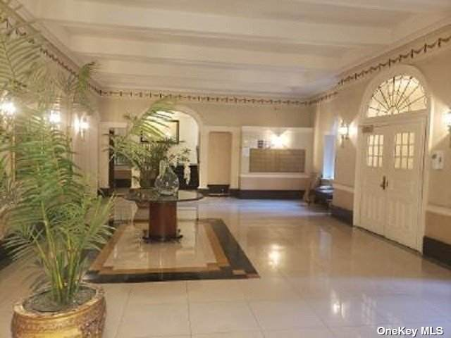45 Kew Gardens Road 3K, Kew Gardens, NY 11415 (MLS #3317919) :: Carollo Real Estate