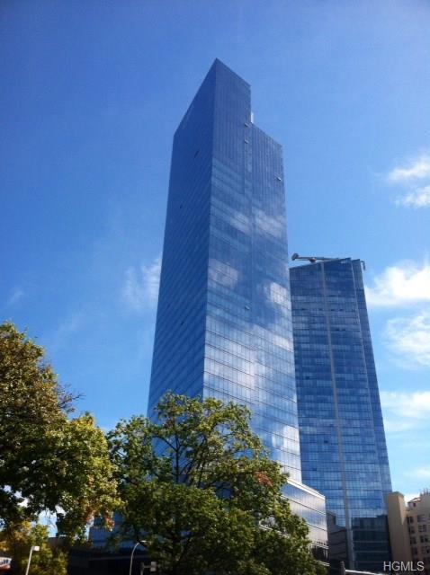 5 Renaissance Square 18A, White Plains, NY 10601 (MLS #4841185) :: Michael Edmond Team at Keller Williams NY Realty