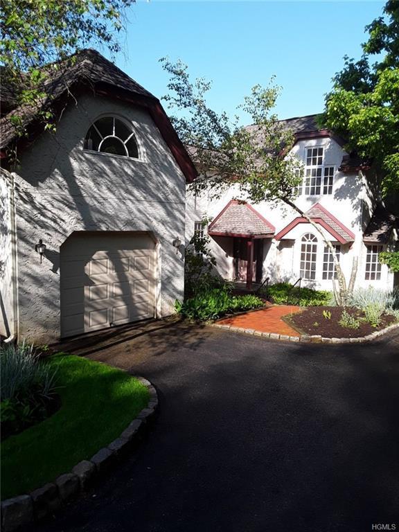 16 Springhurst Park, Dobbs Ferry, NY 10522 (MLS #4942886) :: William Raveis Legends Realty Group