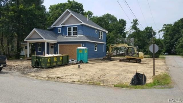 10 1st Street, Hopewell Junction, NY 12533 (MLS #4997387) :: William Raveis Legends Realty Group