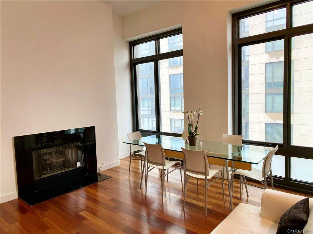 25 City Place - Photo 1