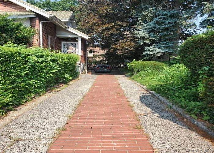 3755 Willett Avenue - Photo 1