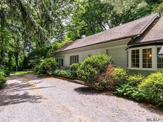 16 Horse Hollow Road - Photo 1