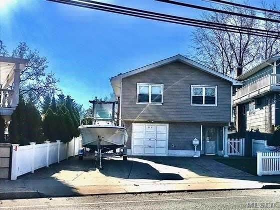 326 Bayville Avenue Avenue, Bayville, NY 11709 (MLS #3268835) :: Mark Boyland Real Estate Team