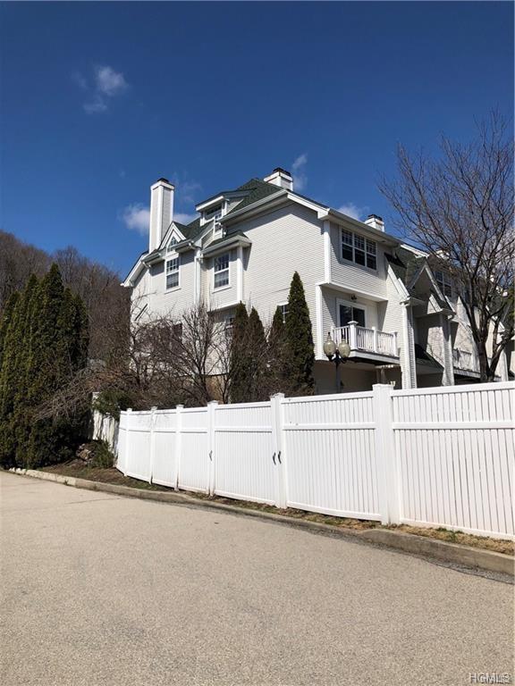 1 Lake Marie Lane, Bedford Hills, NY 10507 (MLS #4954125) :: Mark Boyland Real Estate Team
