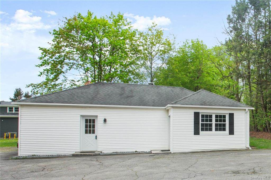 2070 Saw Mill River Road - Photo 1