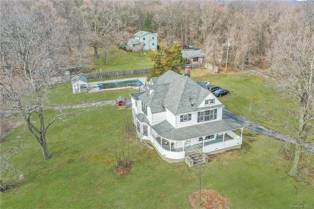 126 Seven Springs Road - Photo 1