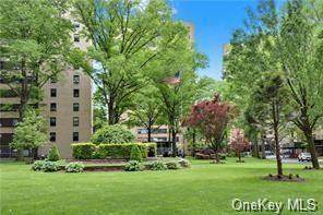 8 Fordham Hill Oval 15C, Bronx, NY 10468 (MLS #H6139698) :: Cronin & Company Real Estate