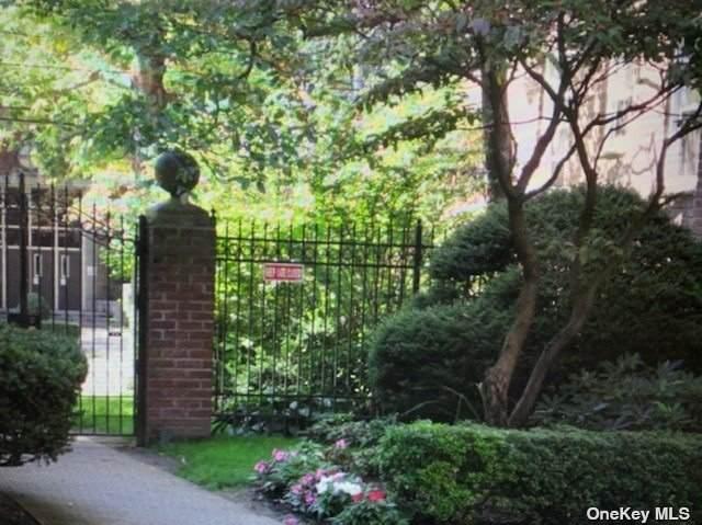22 Mulford Place 4D, Hempstead, NY 11550 (MLS #3315730) :: Howard Hanna   Rand Realty