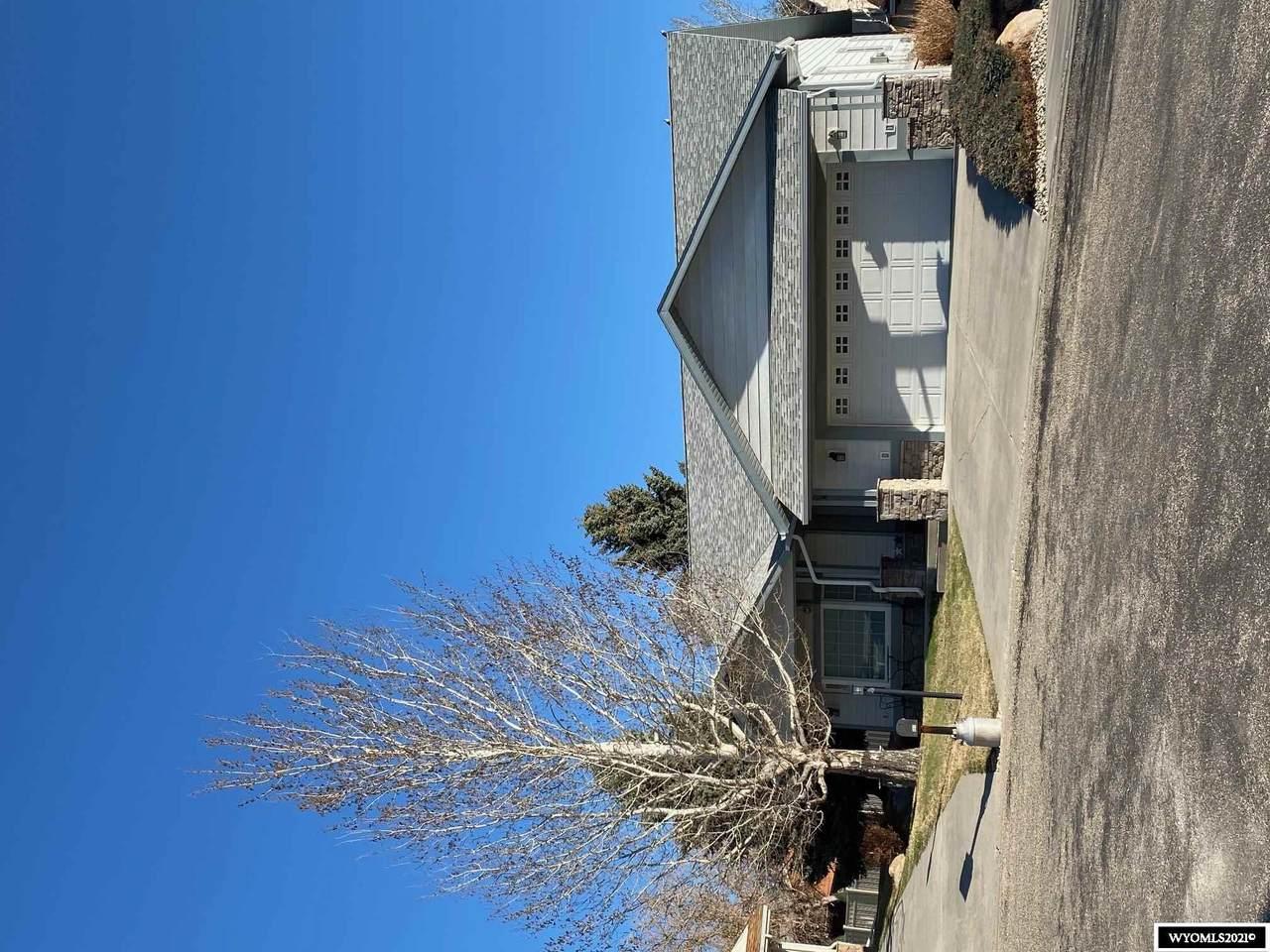 604 Comanche Lane - Photo 1