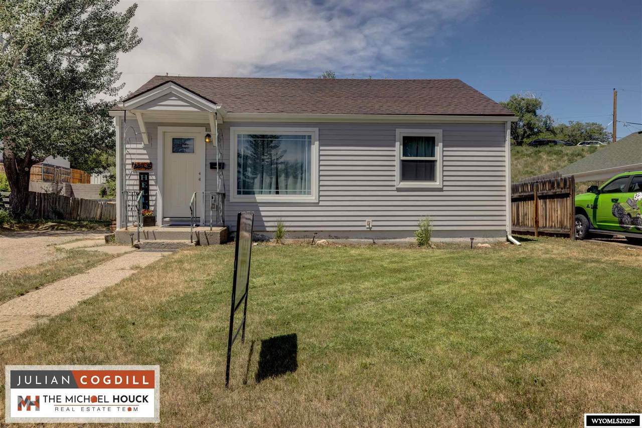 2418 Odell - Photo 1