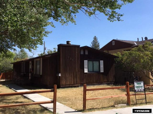 925 11th Street, Rawlins, WY 82301 (MLS #20185371) :: RE/MAX The Group