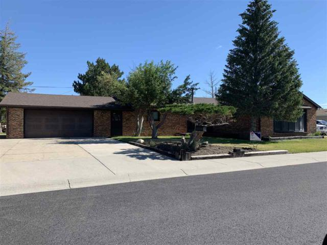 213 W Center Street, Rawlins, WY 82301 (MLS #20194020) :: RE/MAX The Group
