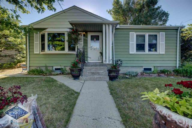 1931 S Jackson Street, Casper, WY 82601 (MLS #20194079) :: Real Estate Leaders