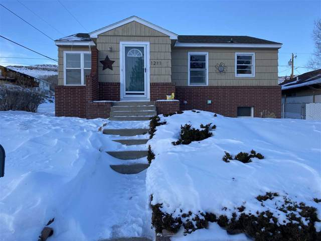 1211 High, Rawlins, WY 82301 (MLS #20200059) :: RE/MAX The Group