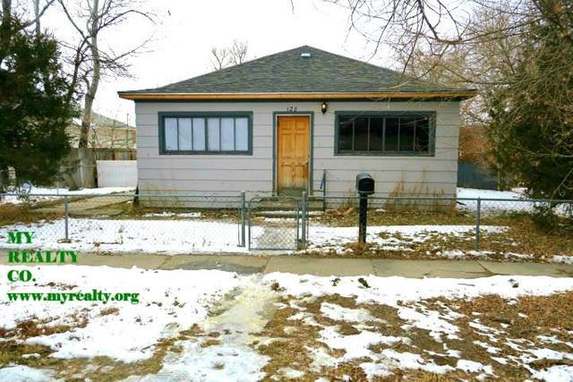 128 N 5th Street, Douglas, WY 82633 (MLS #20200668) :: Real Estate Leaders