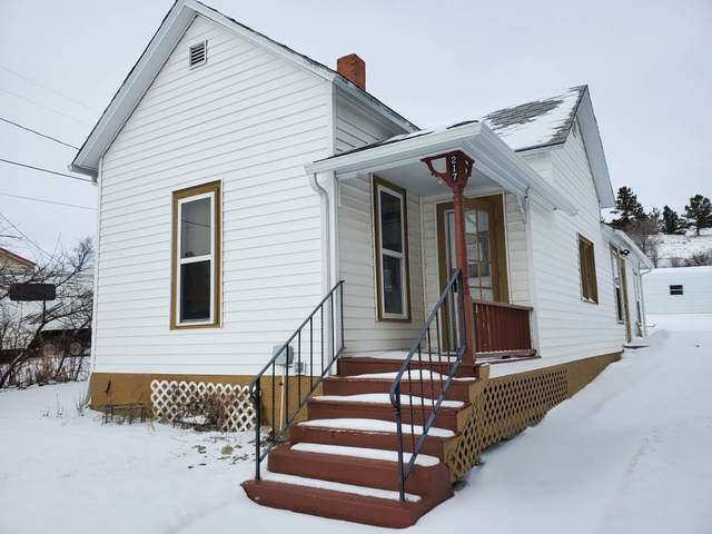 217 W 3rd Street, Lusk, WY 82225 (MLS #20200710) :: RE/MAX The Group