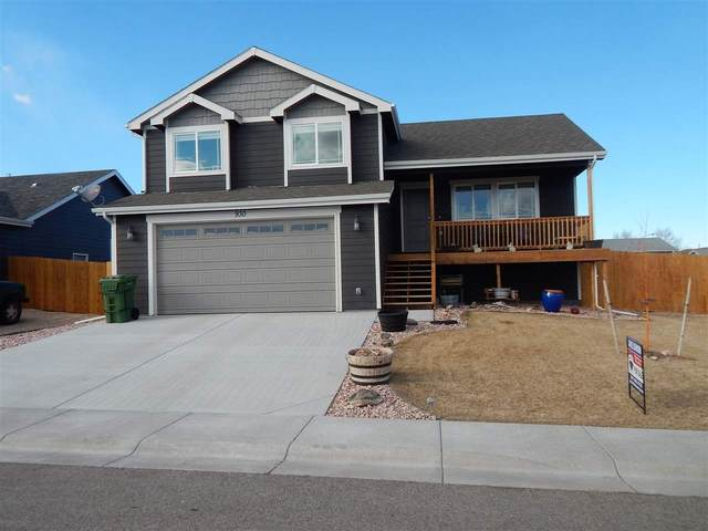 930 Flicker, Douglas, WY 82633 (MLS #20201205) :: RE/MAX The Group