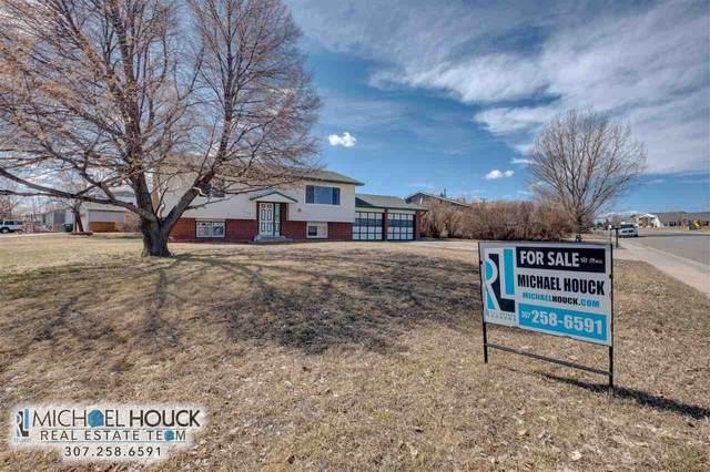 1001 Carver, Douglas, WY 82633 (MLS #20201463) :: RE/MAX The Group