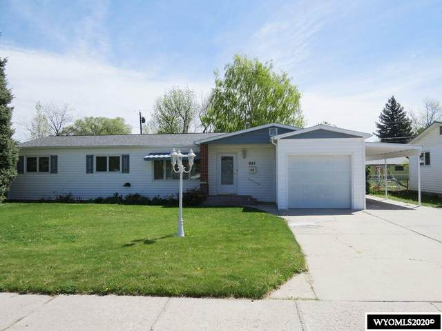 925 Elk Drive, Riverton, WY 82501 (MLS #20202539) :: RE/MAX The Group