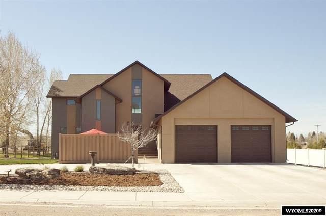 2710 Sheridan Street, Laramie, WY 82070 (MLS #20202594) :: Real Estate Leaders