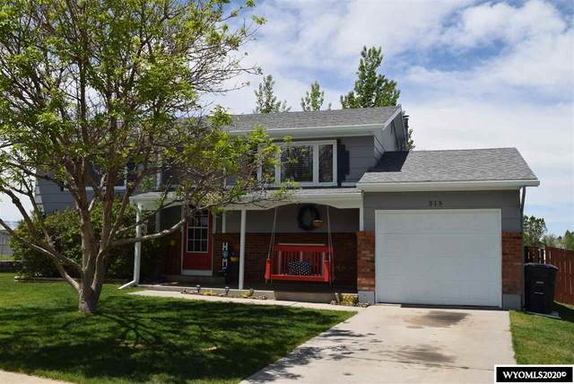 515 S Arapahoe Trail, Glenrock, WY 82637 (MLS #20202805) :: RE/MAX The Group