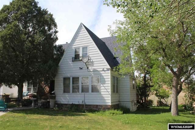 1032 Arapahoe, Thermopolis, WY 82443 (MLS #20203097) :: Real Estate Leaders