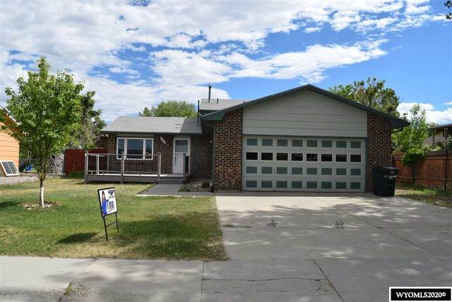 137 Fort Laramie, Glenrock, WY 82637 (MLS #20203365) :: RE/MAX The Group