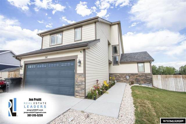741 Camp Davis Circle, Evansville, WY 82636 (MLS #20203653) :: Real Estate Leaders