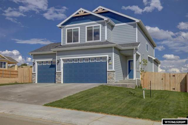 915 Dusty Terrace, Mills, WY 82644 (MLS #20204056) :: RE/MAX The Group
