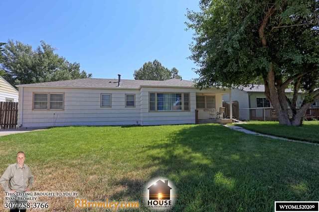 1725 Kit Carson Avenue, Casper, WY 82604 (MLS #20204309) :: RE/MAX The Group