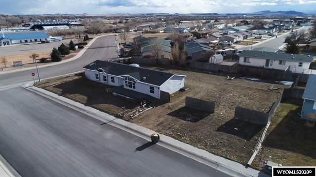 905 Carver, Douglas, WY 82633 (MLS #20204534) :: Real Estate Leaders