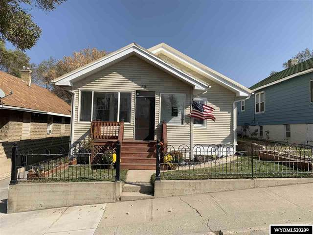 811 Massachusetts Ave, Rock Springs, WY 82901 (MLS #20205628) :: RE/MAX Horizon Realty
