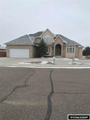 1006 Highland Way, Rock Springs, WY 82901 (MLS #20206933) :: Real Estate Leaders