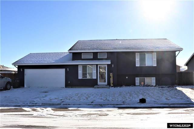 1729 Omaha Trail, Bar Nunn, WY 82601 (MLS #20210104) :: RE/MAX The Group